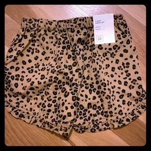 Gap girls cheetah shorts Size 3 Years